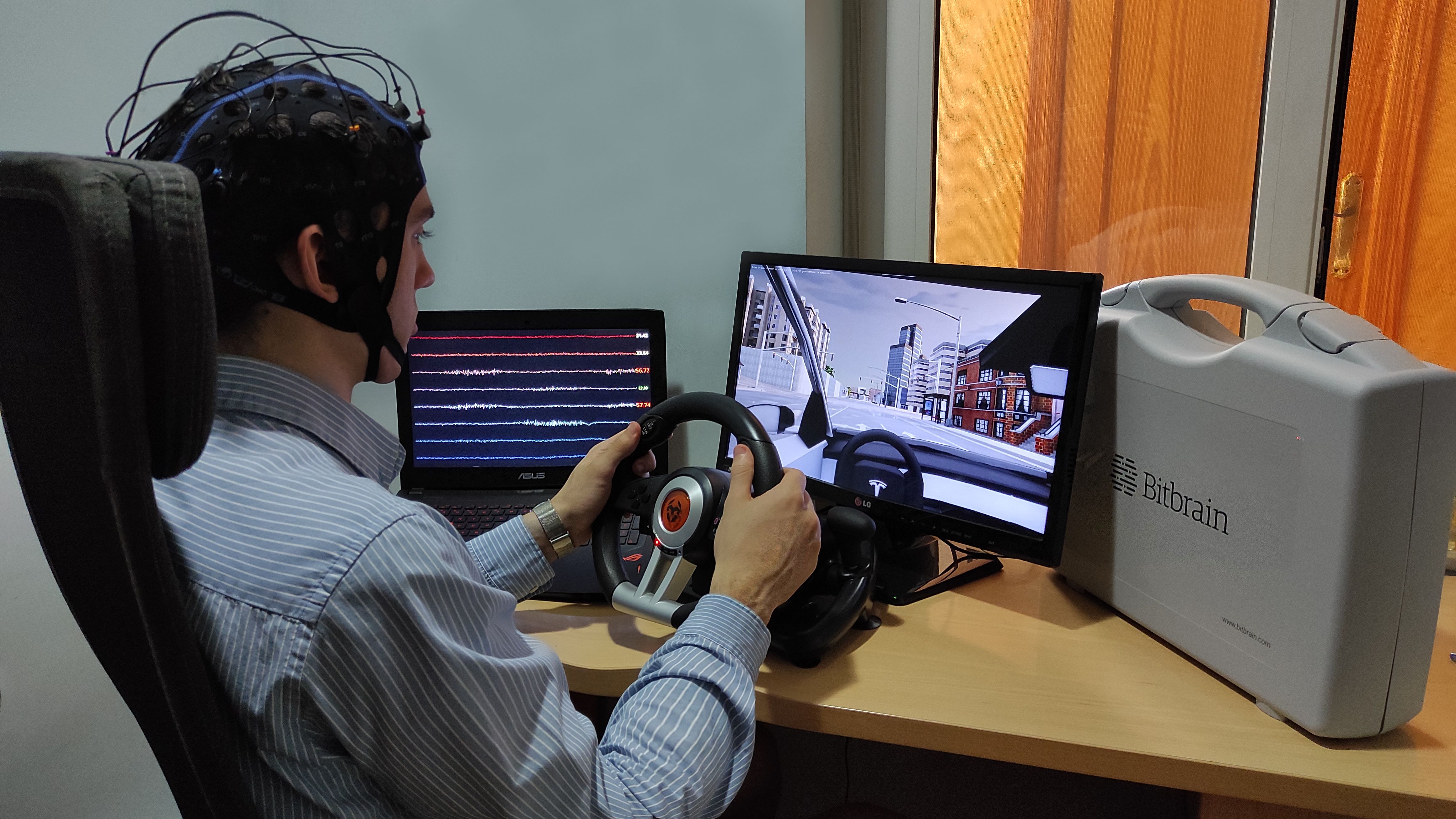 Framework for distraction detection in driving scenarios using Brain-Computer Interfaces